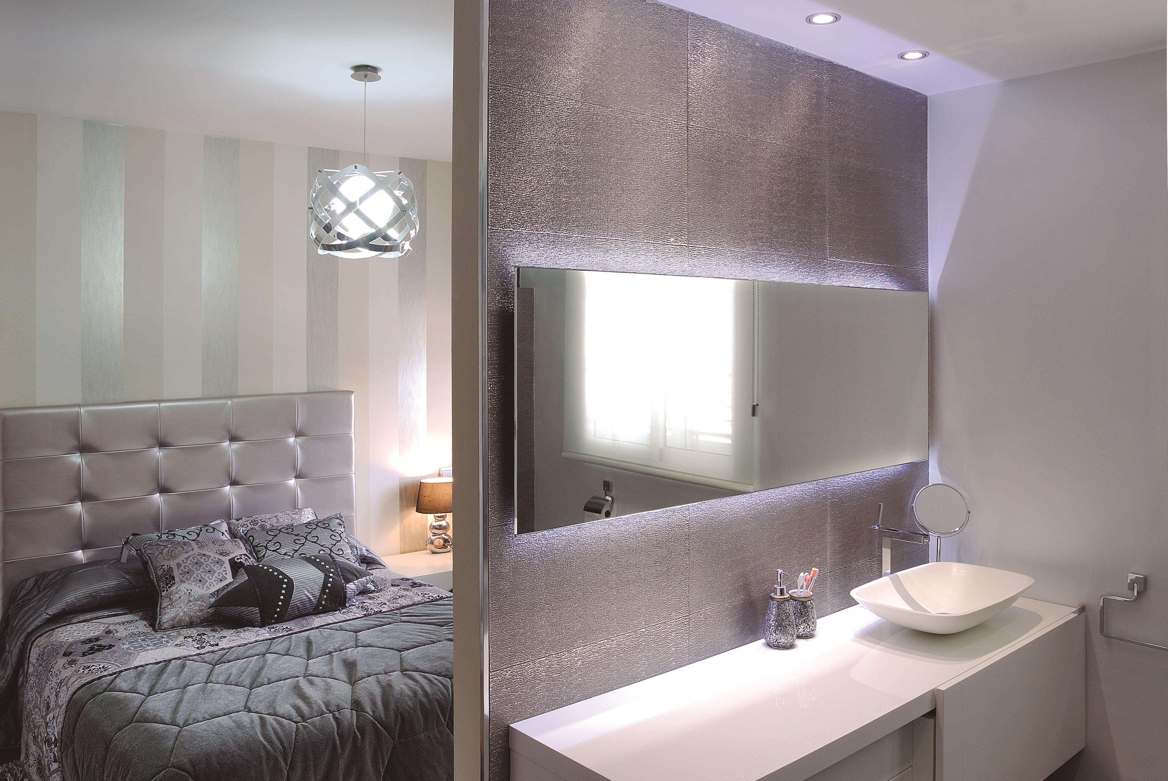 Espejo rect ngular 5 mm con iluminaci n leds marco oculto for Espejos con iluminacion
